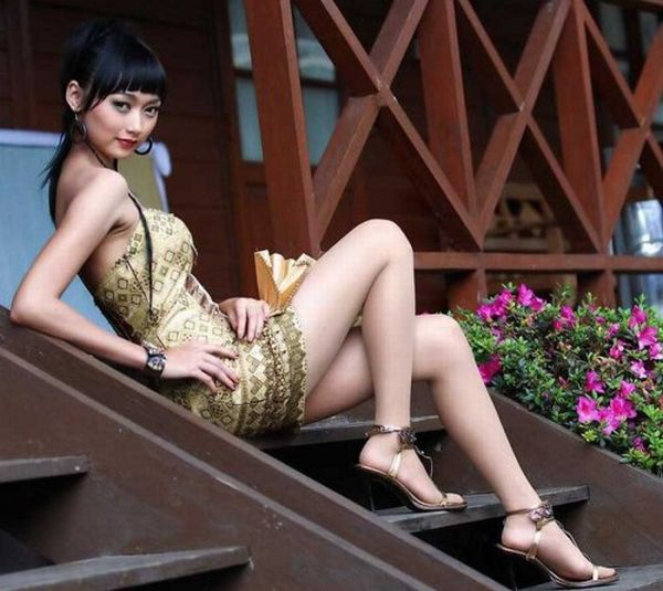 Long legged asian beauty from camturbate me 3