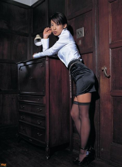 mariko okubo sexy librarian girl